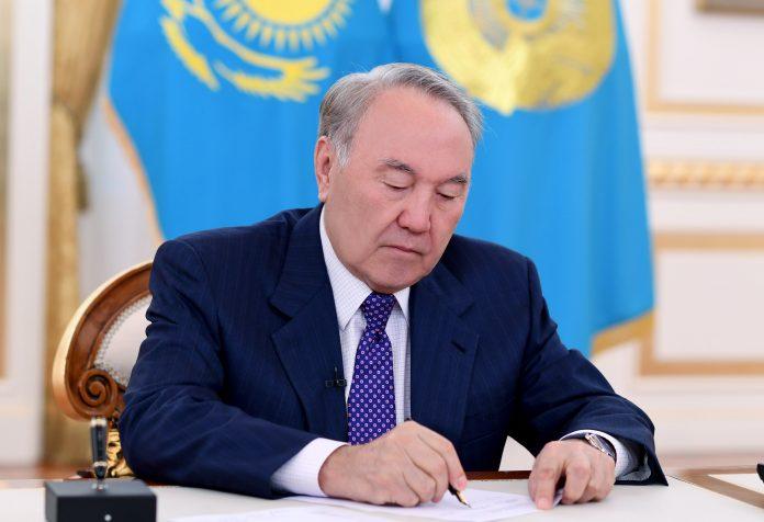 Нурсултан Назарбаев упраздняет Южно-Казахстанскую область