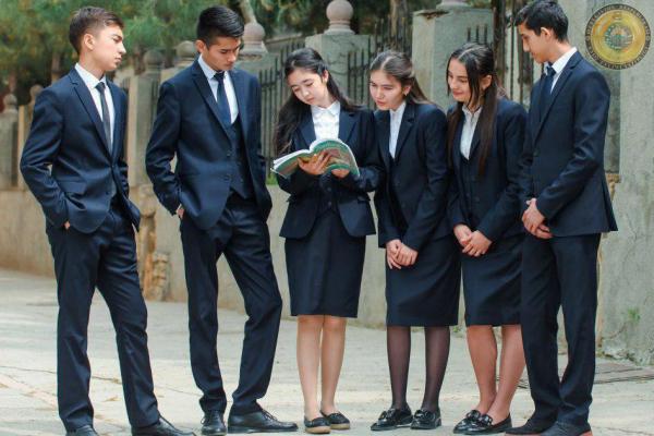 Заместитель премьер-министра Азиз Абдухакимов подтвердил заявление министра народного образования Шерзода Шерматова об отмене введения обязательной школьной формы в 2019/2020 учебном году.