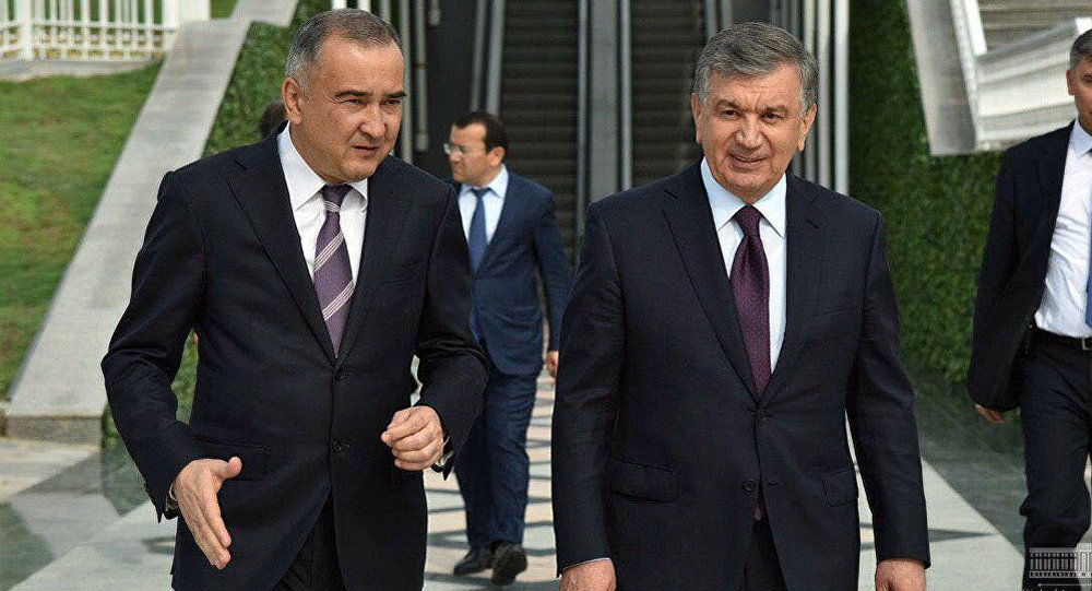 Хоким Ташкента Джахангир Артыкходжаев и президент Узбекистана Шавкат Мирзиёев