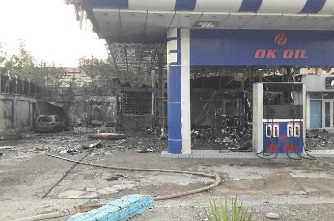 При пожаре на АЗС на Ташкентской кольцевой дороге пострадал один человек. К тушению огня было привлечено 12 боевых расчетов, предварительная причина — нарушение правил пожарной безопасности.