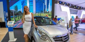 Ravon R2 на автосалоне в России
