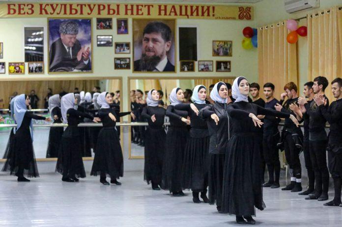 Репетиция_чеченского_ансамбля_песни