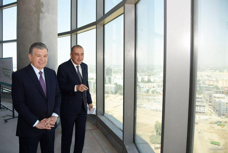 Шавкат Мирзиеев и Джахонгир Артыкходжаев в Tashkent City