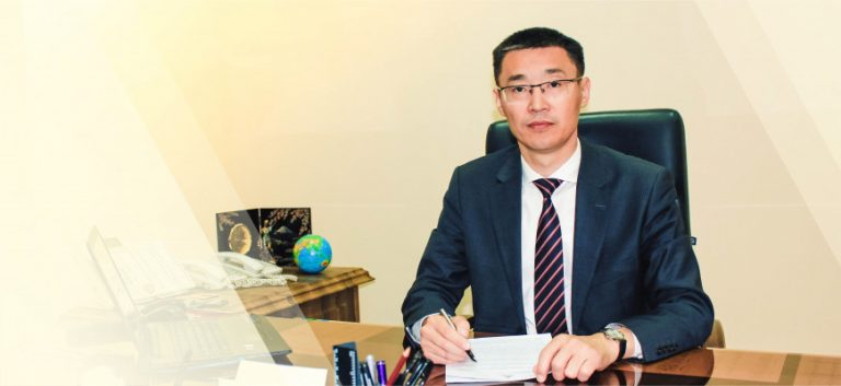 Шавкат Мирзиёев уволил ректора Ташкентского юридического университета
