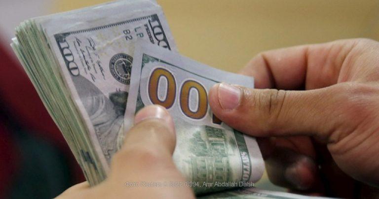 Курс доллара преодолел 9500 сумов