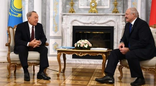 Назарбаев о ботинках