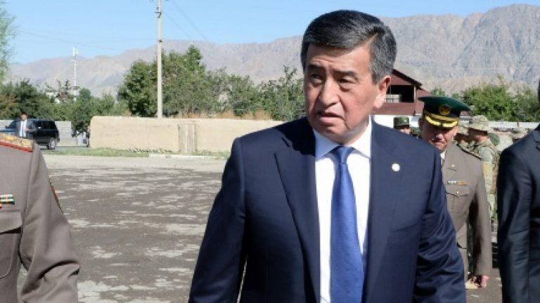 Президент Кыргызстана прервал отпуск из-за сообщений о задержании Атамбаева