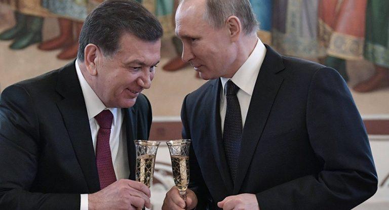 Путин пригласил Мирзиёева на Парад Победы