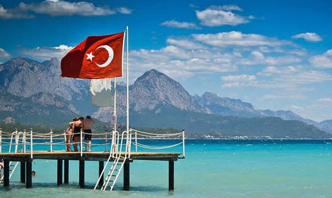 В Турции хотят запретить «все включено», чтобы туристы больше тратили в магазинах