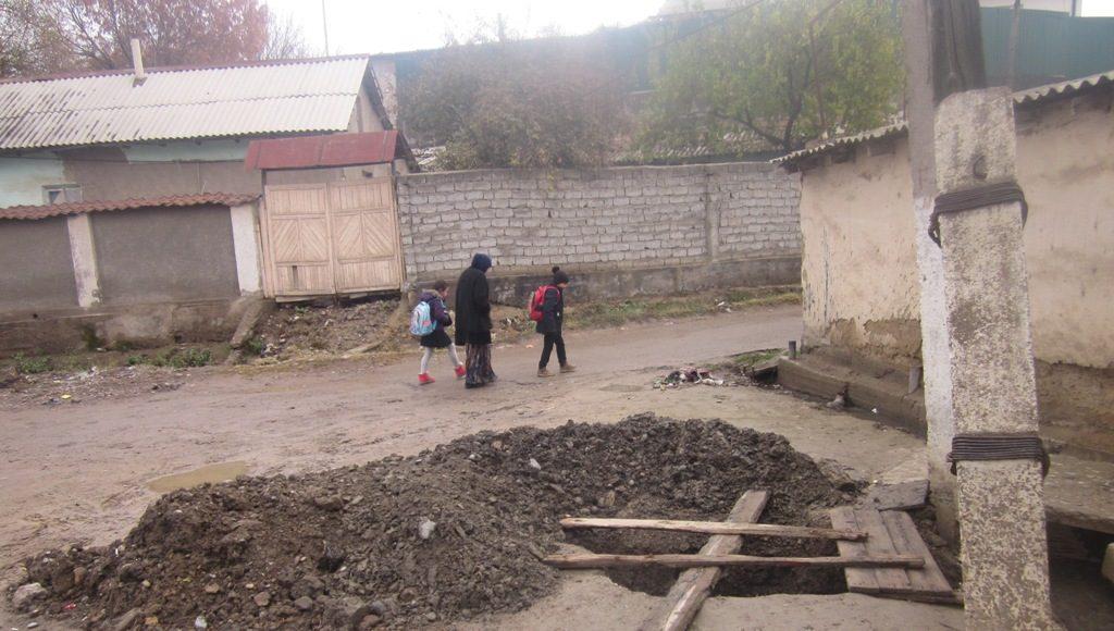 В Янгиюльском районе 60 из 76 образцовых домов непригодны для жилья