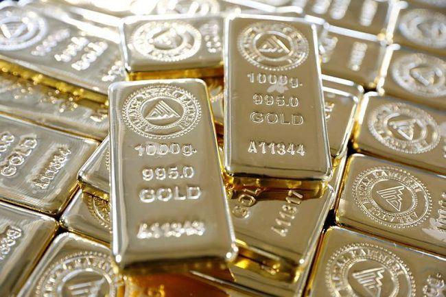 Золотые слитки в Узбекистане