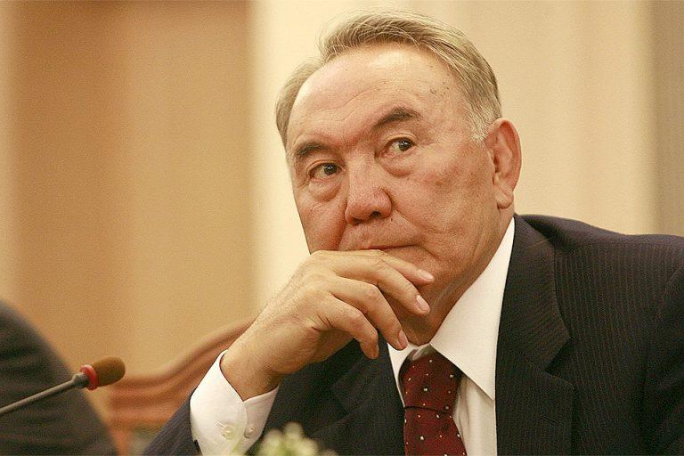 Назарбаев захотел гарантий безопасности