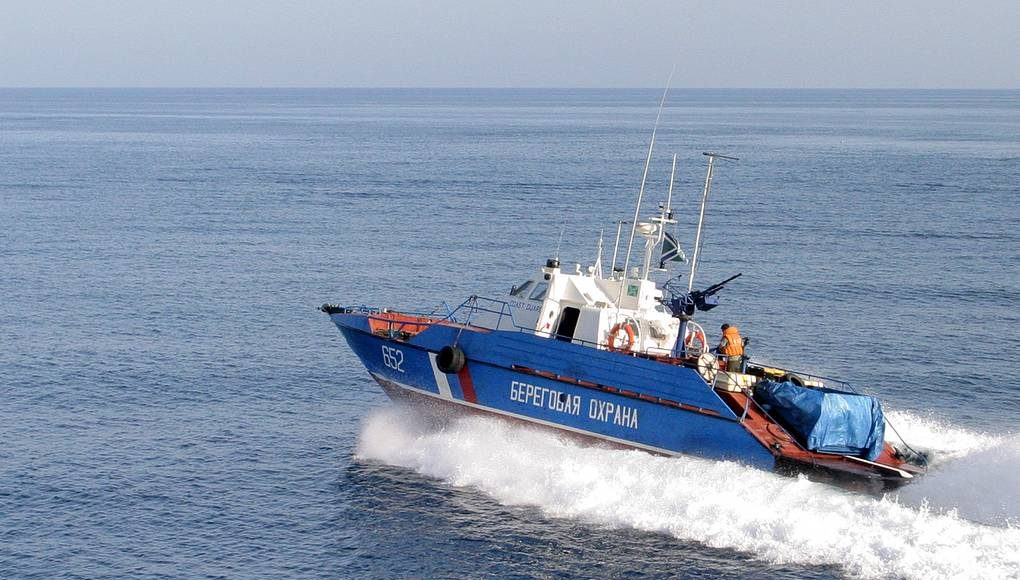 Моряки из КНДР напали на российских пограничников
