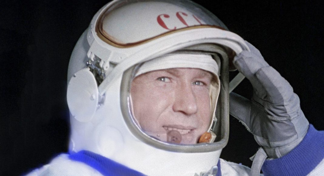 Алексей Леонов — первый землянин, который вышел в открытый космос.