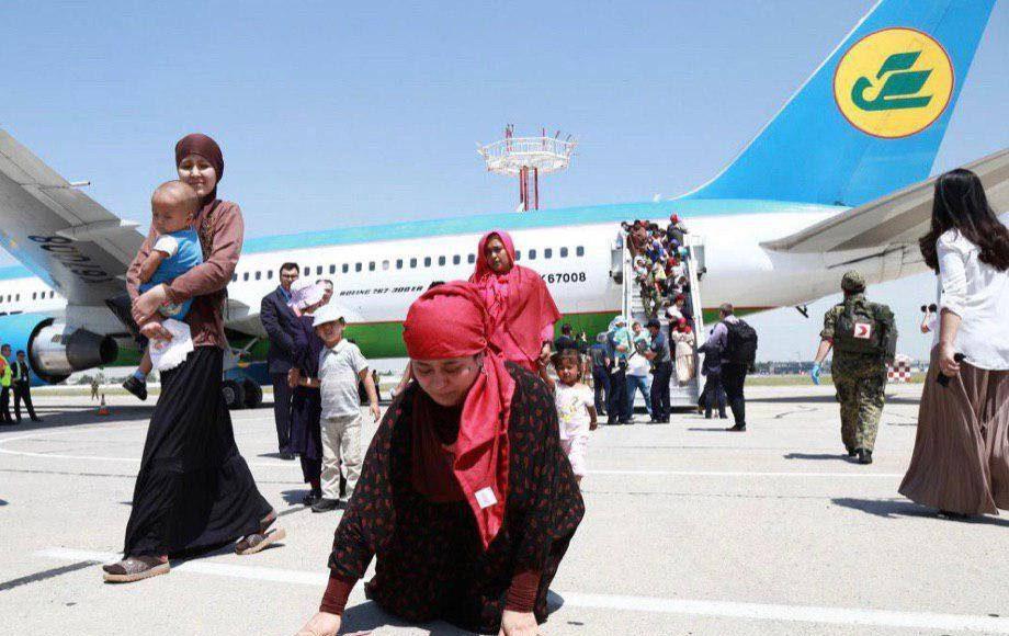 В Ташкенте сел очередной рейс с гражданами из зоны действия ИГИЛ