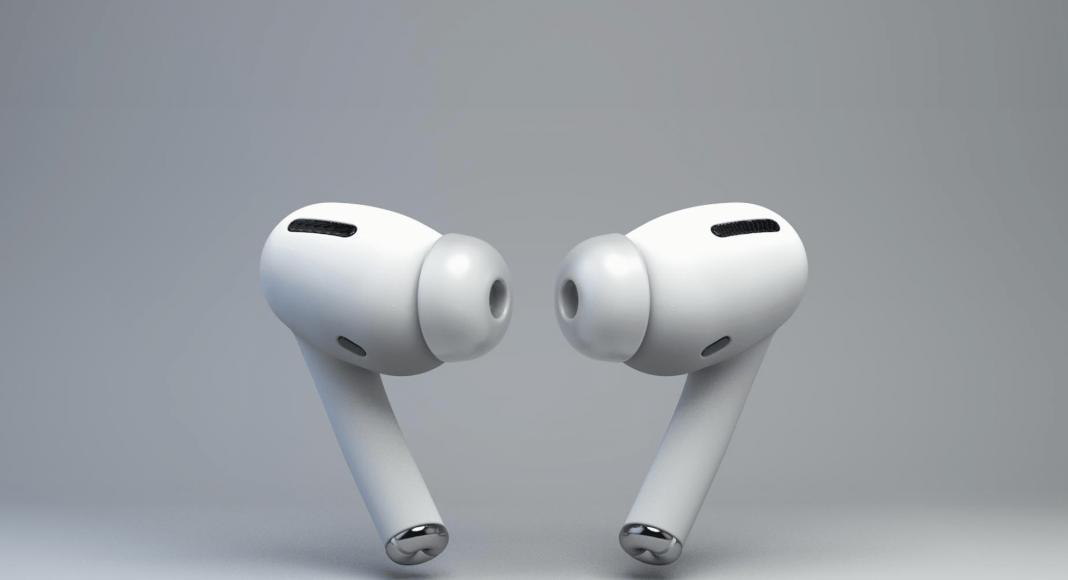 Новые AirPods с шумоподавлением. В отличие от предыдущих AirPods, новая модель представляет собой наушники-затычки за 249 долларов.