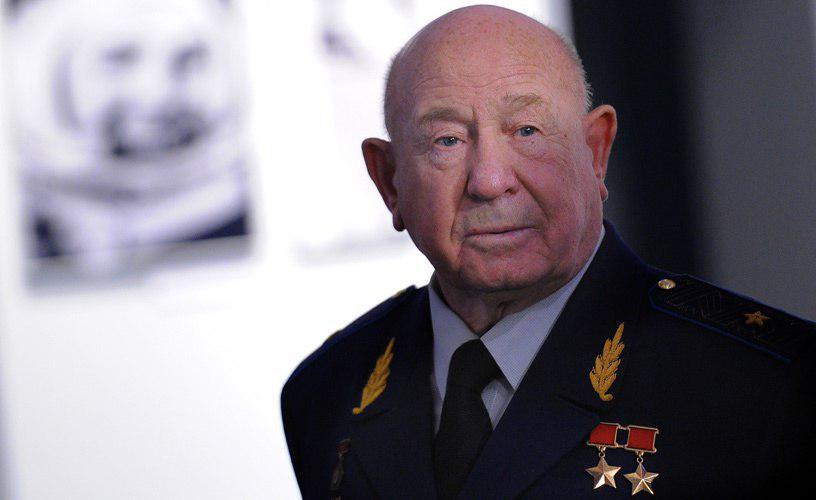 В возрасте 85 лет умер космонавт, дважды Герой Советского Союза Алексей Леонов. В марте 1965 года Леонов стал первым человеком, вышедшим в открытый космос. В июля 1975 года Леонов совершил второй полет, во время которого участвовал в стыковке российского корабля «Союз» и американского «Аполлон».