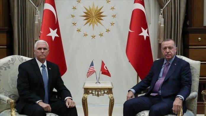 Турция приостанавливает военную операцию в Сирии на 120 часов после встречи вице-президента США Майкла Пенса и президента Турции Реджепа Тайипа Эрдогана в Анкаре.