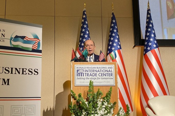 Министр торговли США Уилбур Росс приветствовал экономические реформы в Узбекистане, но отметил важность обеспечения устойчивости этих реформ. Он также отметил, что стремление ко вступлению в ЕАЭС может усложнить процесс вступления страны в ВТО.