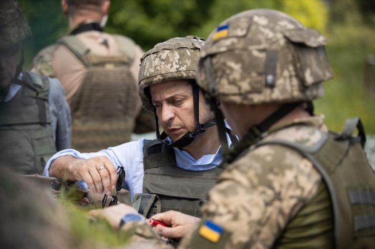 Зеленский согласился на «формулу Штайнмайера» для урегулирования конфликта в Донбассе. Что это за формула? Теперь будет мир? Почему в Киеве опять протесты?