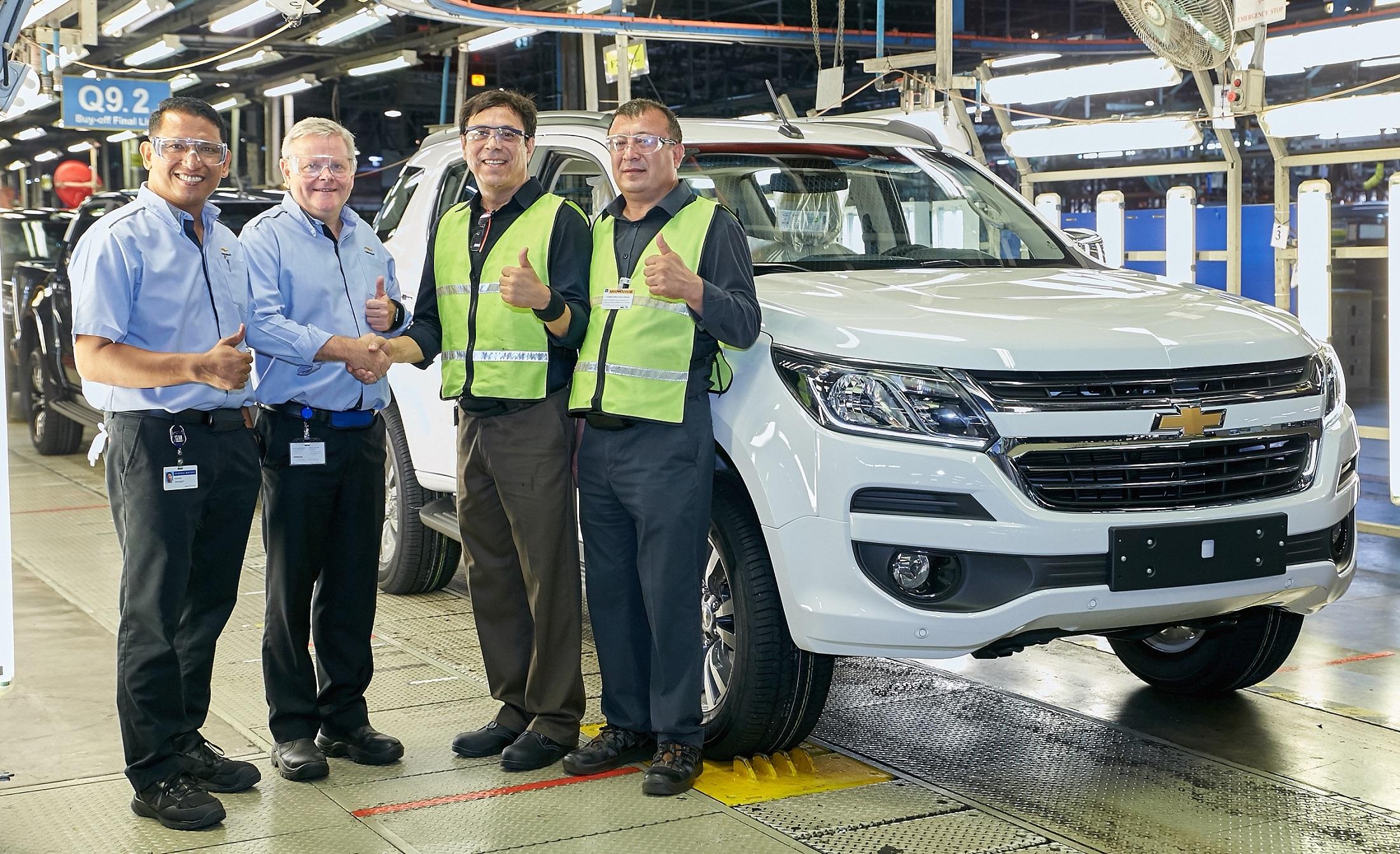 Chevrolet Trailblazer для рынка Узбекистана будет производиться в Таиланде: 25 октября GM Thailand отправил первую партию внедорожников Trailblazer в Узбекистан. Начало продаж ожидается в ближайшие месяцы.