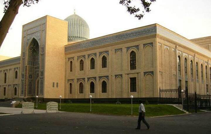 Руководитель Международной исламской академии Узбекистана Шухрат Акмалович Ёвкочев покинул свой пост.