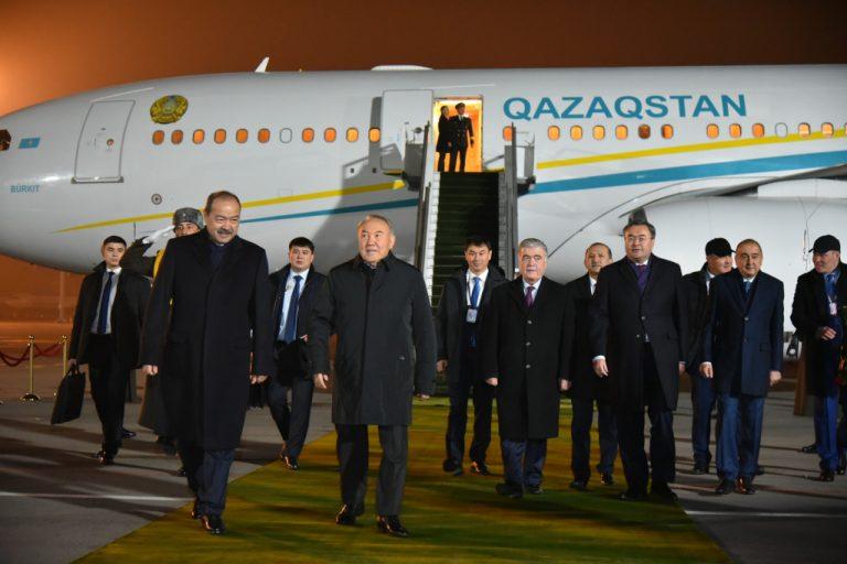 Нурсултан Назарбаев прибыл в Ташкент