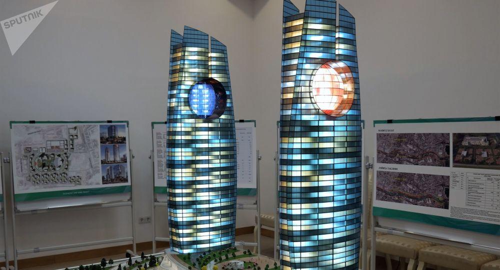 На территории Яккасарайской малой промышленной зоны построят башни-близнецы высотой 230 м, каждая по 50 этажей. 49% площадей делового центра будет отдано под жилую недвижимость.   Башни-близнецы будут построены между улицами Бабура, Шота Руставели и Кушбеги.