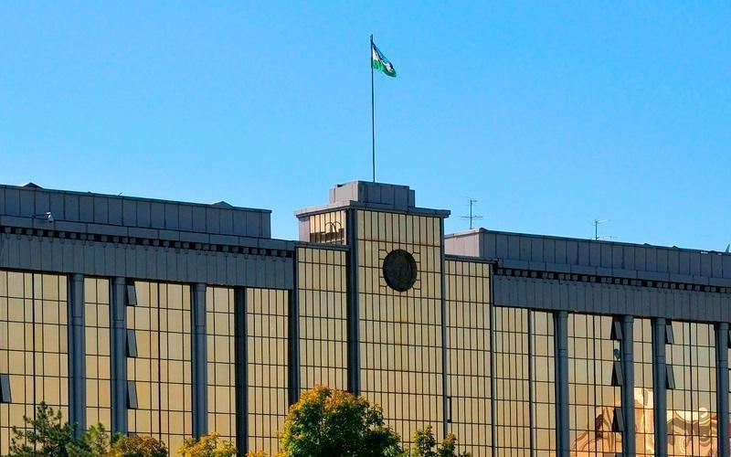 Законодательная палата одобрила назначение новых членов Кабинета министров Узбекистана. Руководить правительством будет Абдулла Арипов. Теперь их должен утвердить президент.