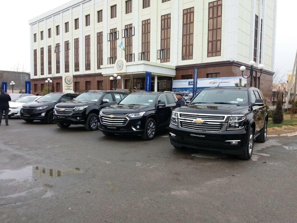 """Компания """"Узавтосаноат"""" открывает в Казахстане совместное предприятие. Заниматься продажей отечественных автомобилей на экспортных рынках будут более 100 дилерских центров, входящих в единую сеть."""