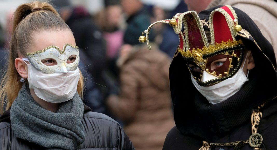 В Италии десятки городов на карантине, из-за коронавируса отменен Венецианский карнавал.