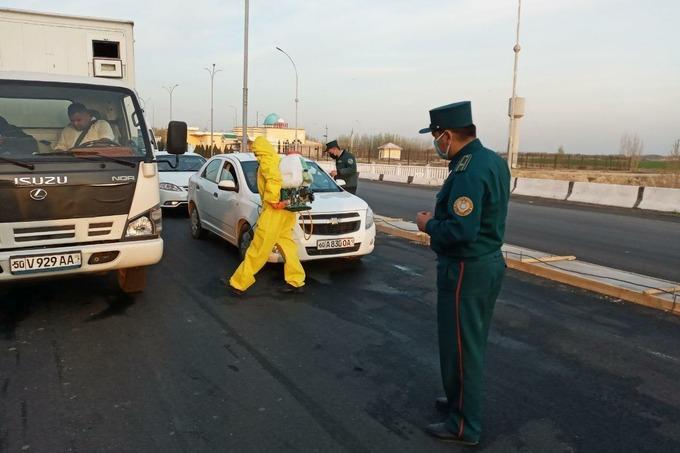 С 24 марта Ташкента полностью закрывается для всех видов транспорта. Ограничение не распространяется на грузовые перевозки. Въезжать смогут только граждане, постоянно проживающие (зарегистрированные) в столице.