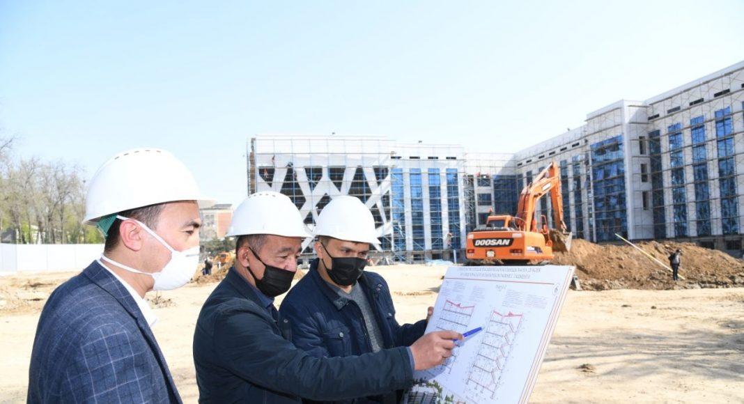 В Узбекистане больницу для борьбы с коронавирусом намерены построить за 5 дней. Карантинная зона одновременно может принять 10 тысяч человек.