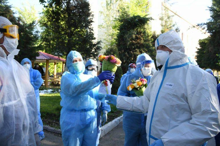 Катастрофа в системе здравоохранения Ташкента — 43 человека умерли не дождавшись скорой. Хоким Ташкента и министр здравоохранения получили выговор