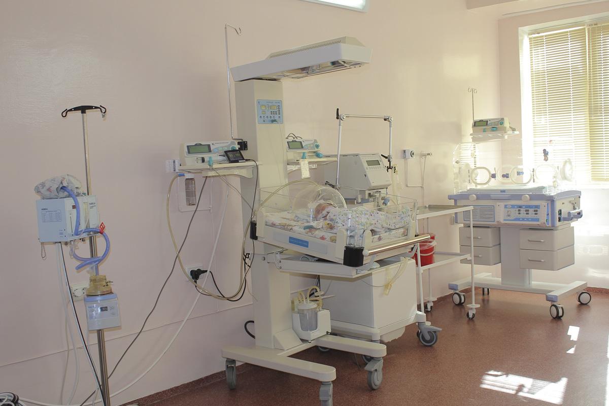Городской роддом №6 в Ташкенте закрыли на карантин из-за выявления коронавируса. Врачи и пациенты останутся в роддоме на 2 недели.
