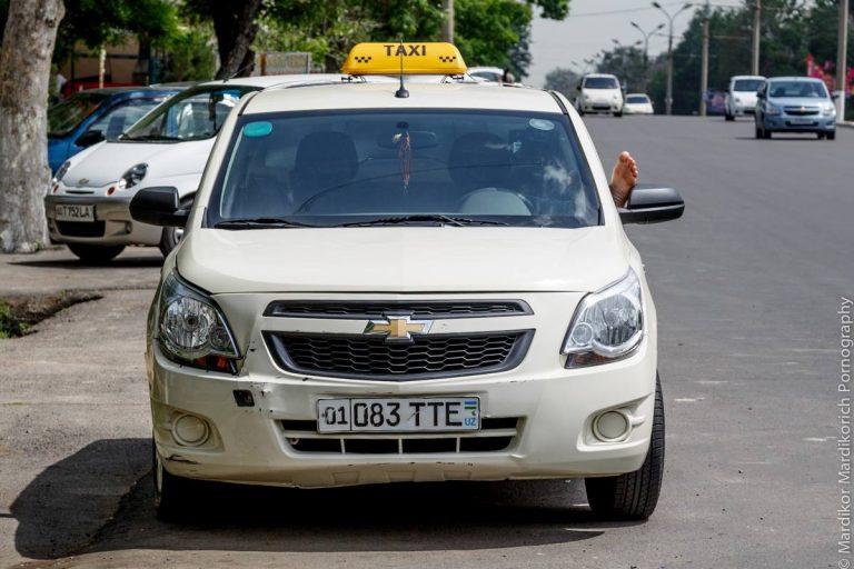 В Ташкенте до 5 мая приостановлена выдача лицензий такси