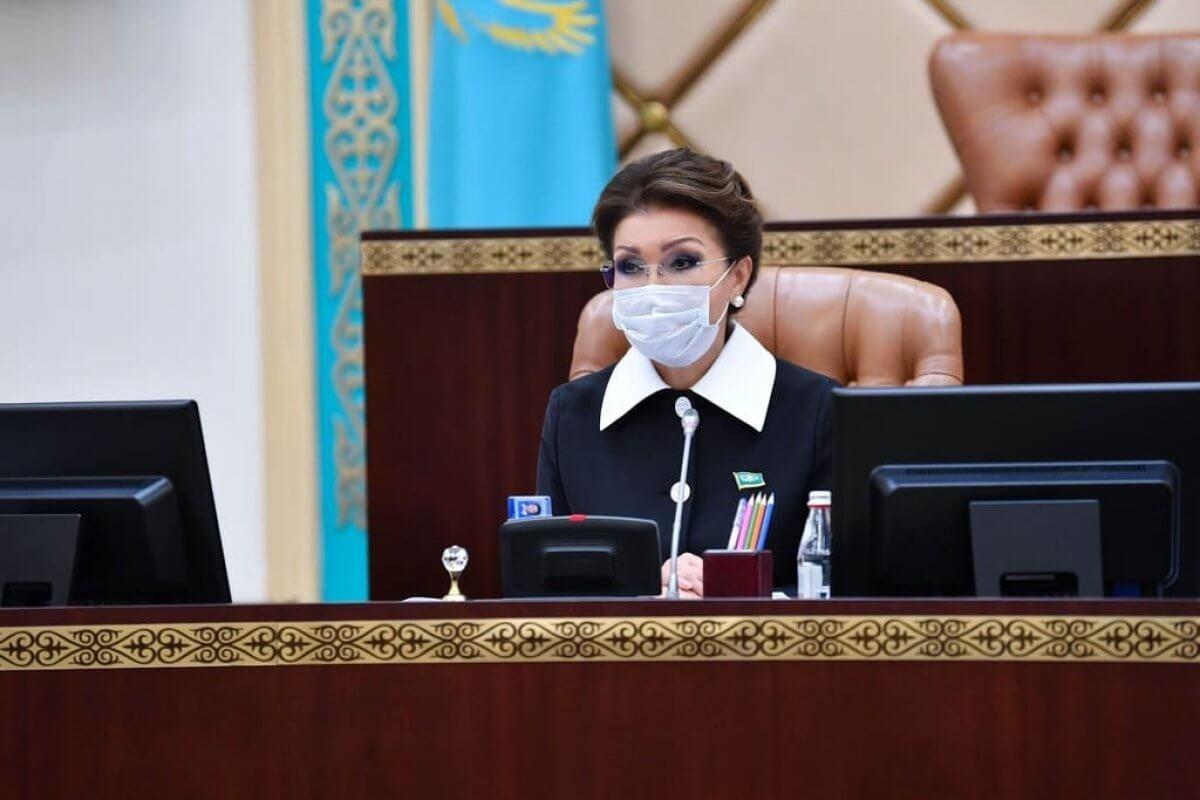 Токаев прекратил полномочия председателя Сената Казахстана Дариги Назарбаевой.